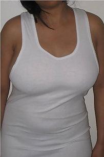 Big Boob Shamita Aunty Erotic Nude Pics