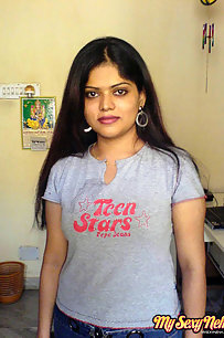Bangalore Aunty Neha Nair Stripping Naked