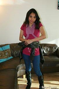 Indian Hot Babe Kavya Sharma Sexy Dress