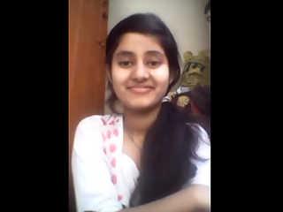 Horny Pakistani Girl Big Boobs Exposed