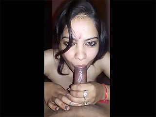 Noida Hot Indian Bhabhi Giving Blowjob