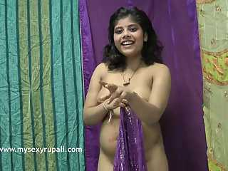 Big Boob Indian Babe Rupali Shaking Boobs