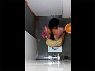 Sexy Indian Bhabhi Toilet Naked Caught
