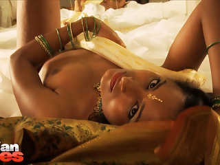Sexy Babe Preeti Snake Charmer Hot Flawless