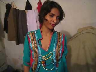 Young Sexy Hot Pakistani Wife Farah