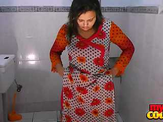 Amateur Sonia Bhabhi Bathroom Stripped Naked