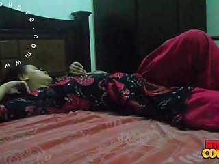 Horny Sonia Bhabhi Seduced For Sex