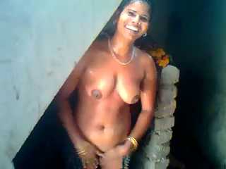 Indian Maid Homemade Shower MMS