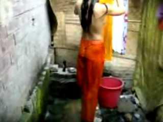 Desi Girl Taking Shower Sex Tape
