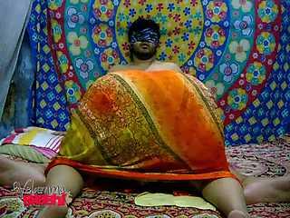 Juicy Velamma Bhabhi Erotic Blowjob
