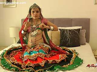 Hot Indian Babe In Chania Choli